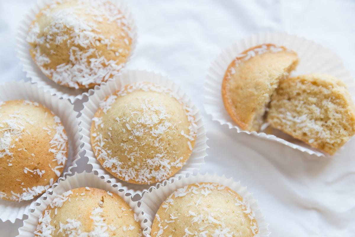 Des muffins à la noix de coco sans oeufs ni lait / Dairy and egg free coconut muffins