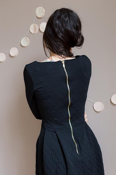 La petite robe noire look noel poudre